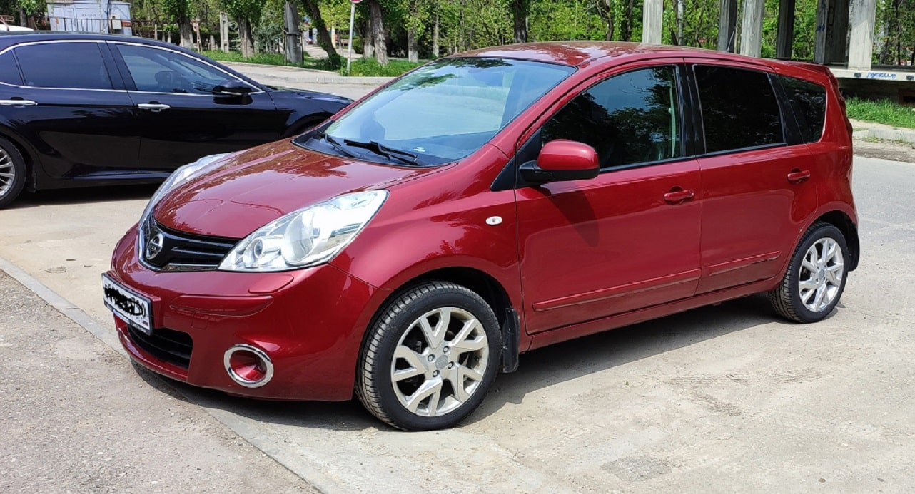 Nissan Note авто